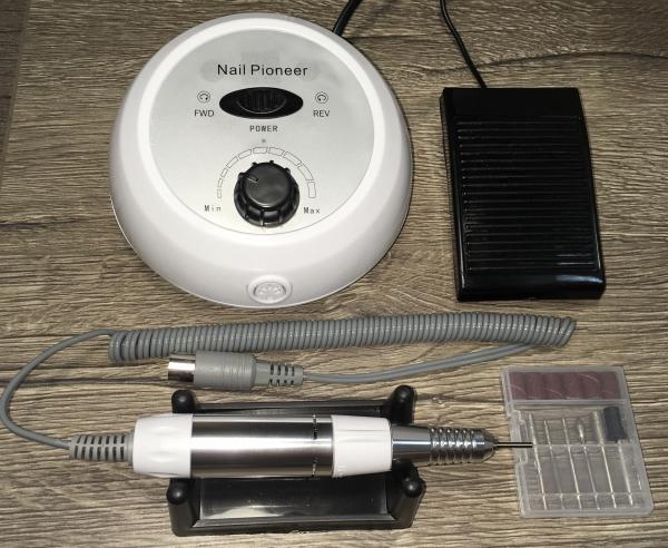 Маникюрно-педикюрный аппарат DM-991, 35 тыс. об/мин