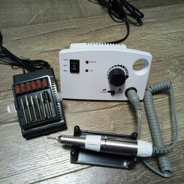 Аппарат для маникюра и педикюра DM-997 (белый), 35 тыс. об/мин